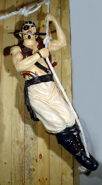 pirate tatou corde statues pirates. Black Bedroom Furniture Sets. Home Design Ideas