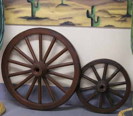roue de chariot d cors western. Black Bedroom Furniture Sets. Home Design Ideas